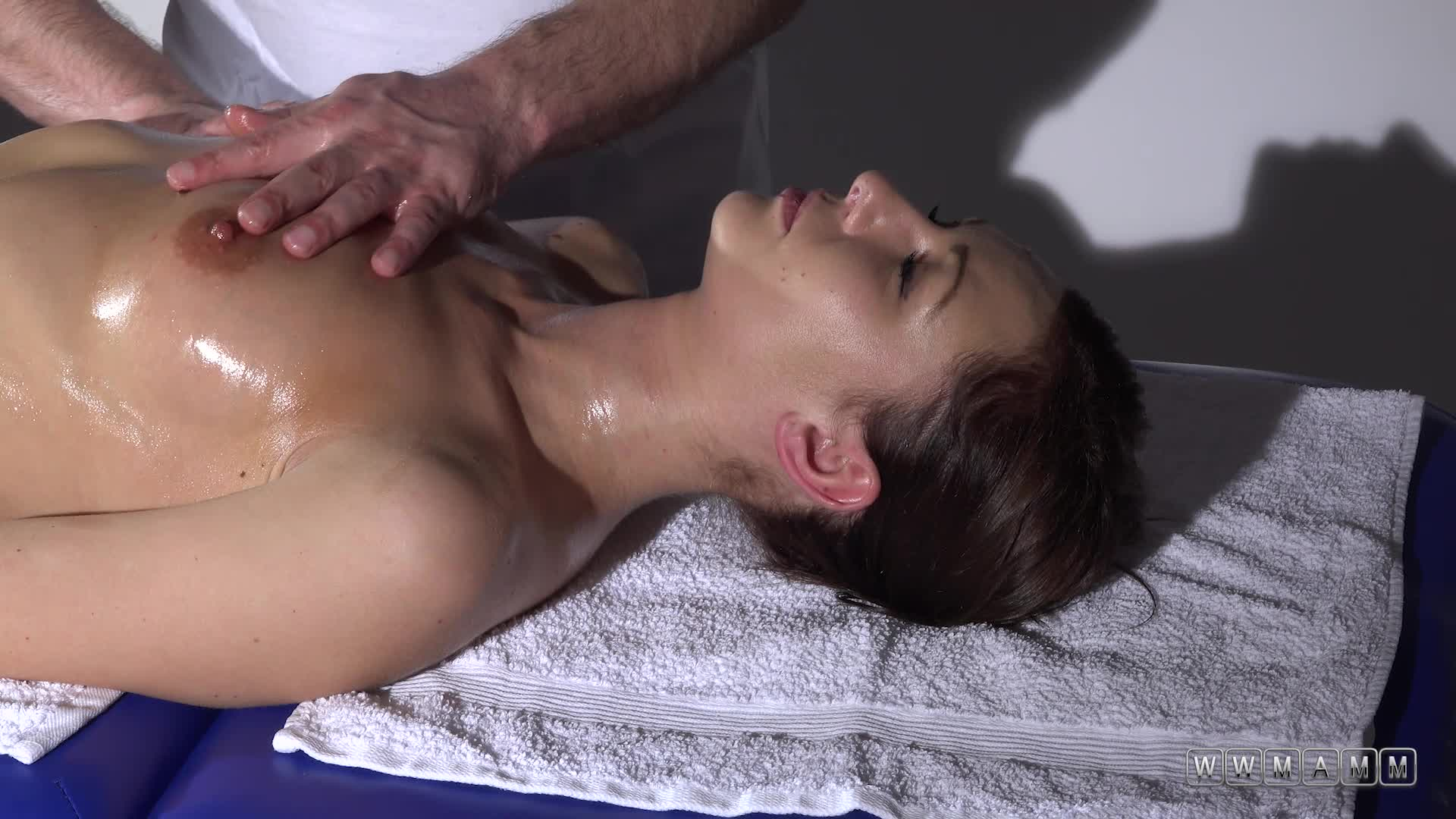 When Kara Rose Showed Up The Masseur Knew It Was His Lucky Day