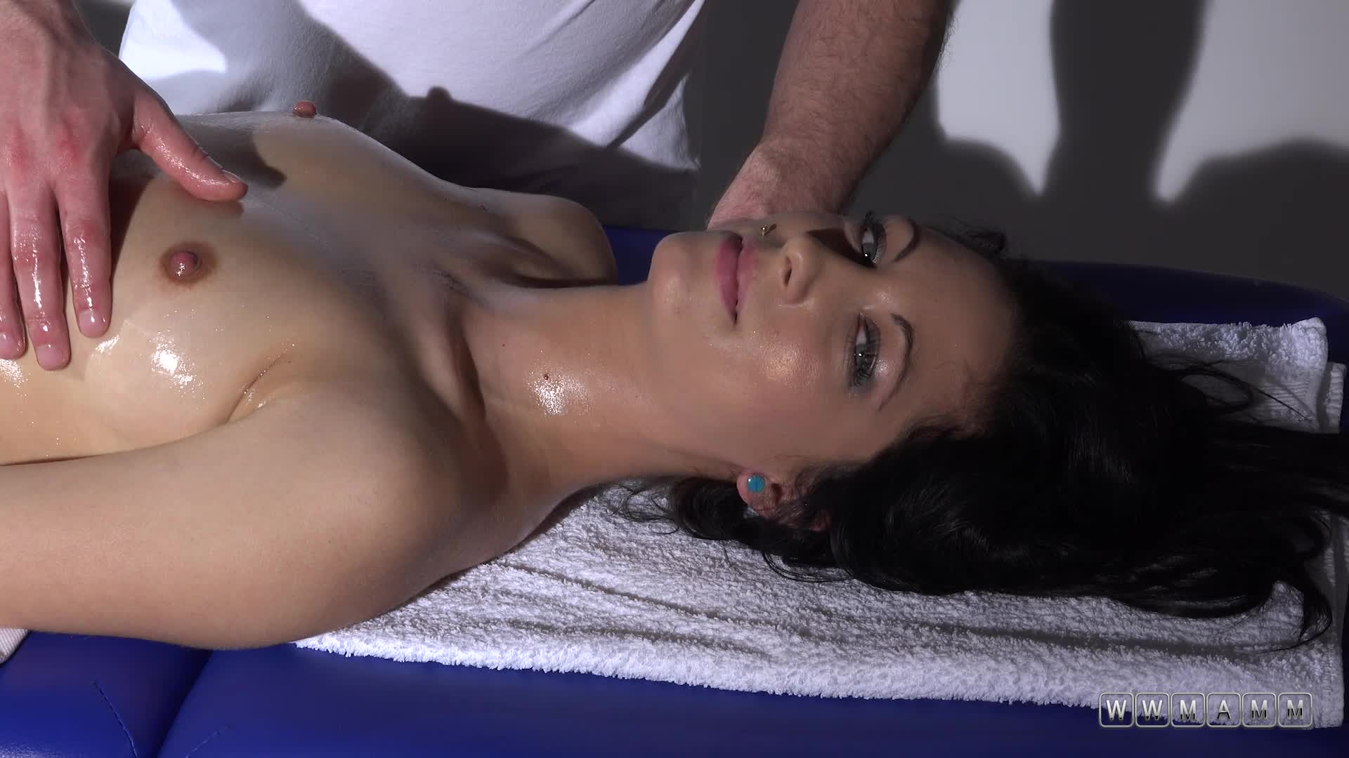 Jenifer Love All Massages But Her Favorite Is Erotic Massage