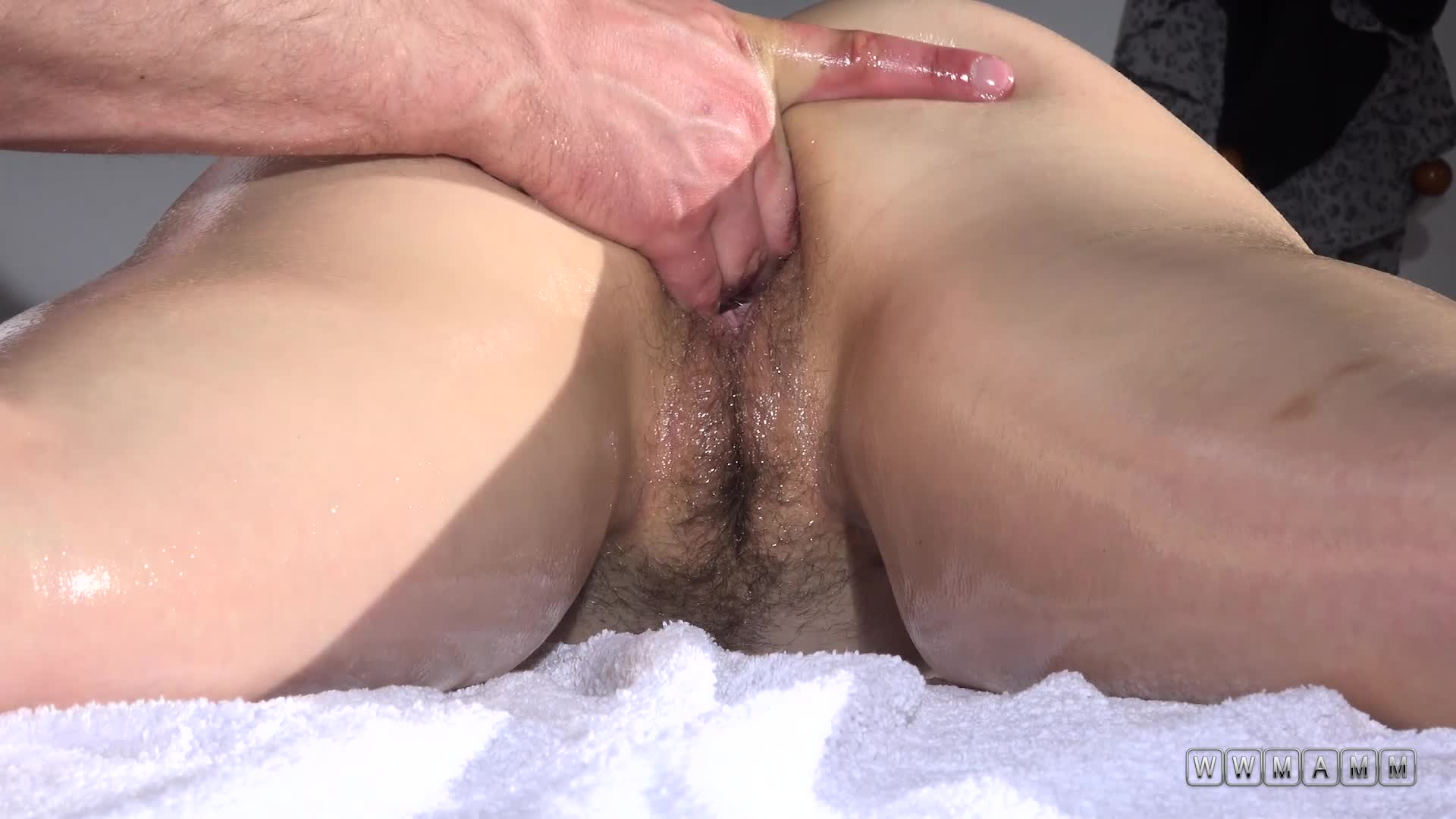 Cute And Young Alisha Got Three Fingers From The Masseur