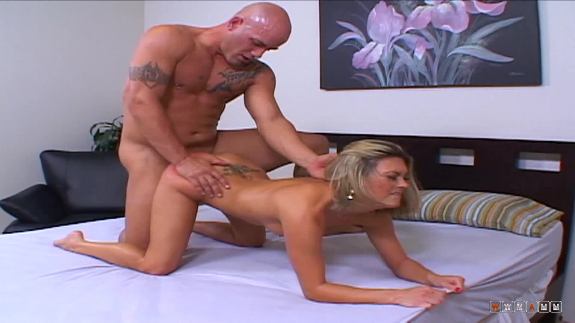 Adriana Amante Wants A Guy To Make Her Pussy Wet And Her Ass Red