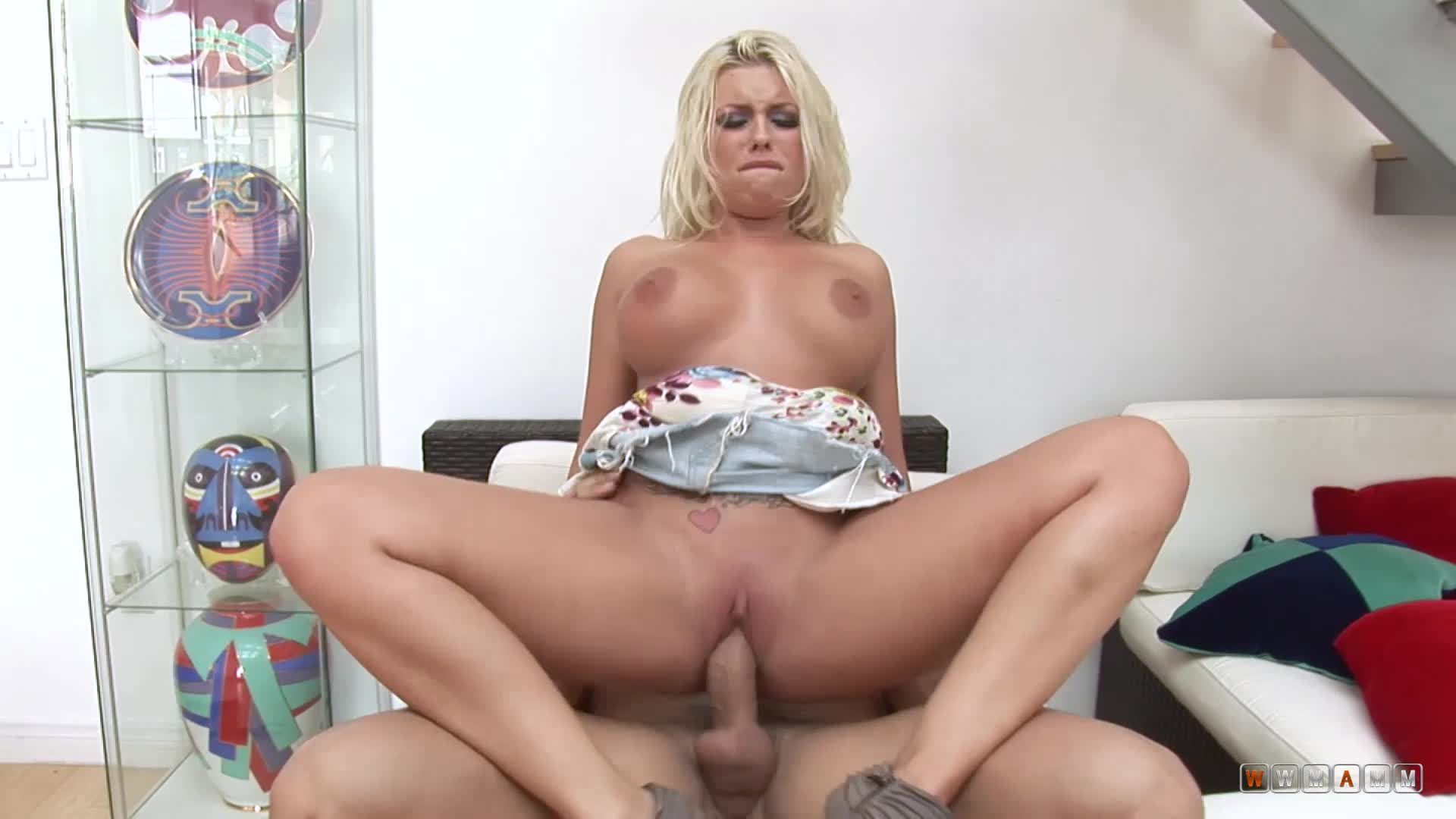 Slutty And Horny Blondie Daughter Will Get Fucked By Her Stepdad