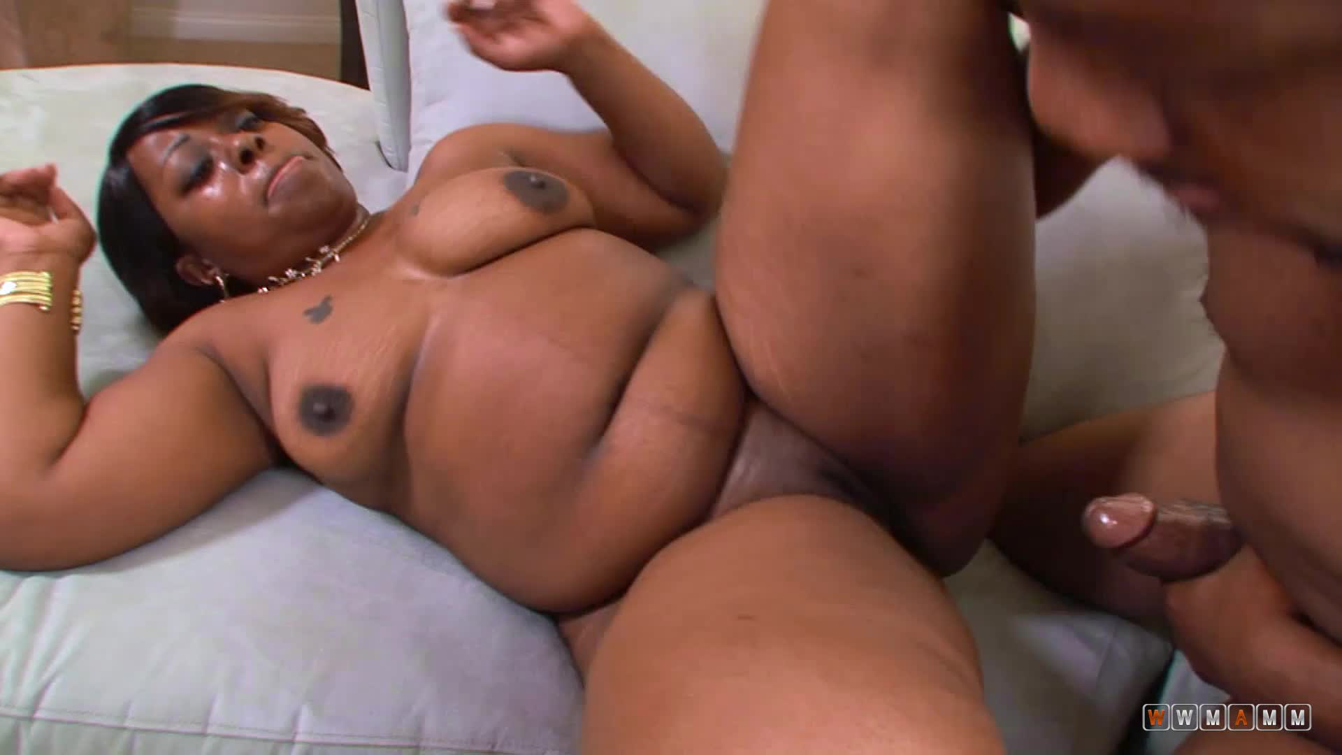 Black Family Having Fun White Cream In Wet Chocolate Pussy